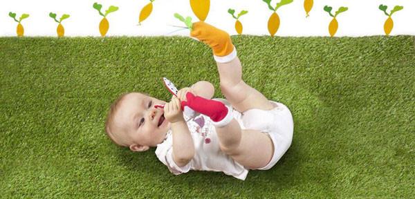 Regali di Natale per bambini: i calzini gioco di Babymoov, perfetti anche come marionette!