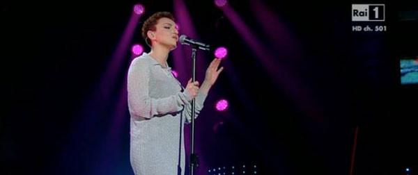 Festival di Sanremo 2016, chi è la cantante incinta? Le voci del web