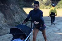Come tornare in forma dopo la gravidanza? Elisabetta Canalis sceglie la corsa con il passeggino