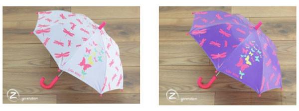 Abracadaombrello, l'ombrello magico per bambini che cambia colore sotto la pioggia