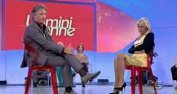 Uomini e donne anticipazioni 7 marzo lite furiosa tra Gemma e Giorgio dopo il bacio
