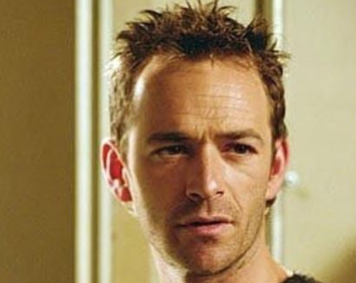 Luke Perry il certificato di morte e i funerali celebrati in stretto riserbo