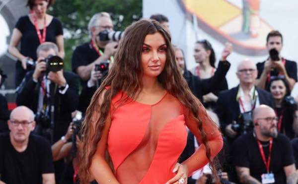 Elettra Lamborghini red carpet Venezia 2019 abito e look